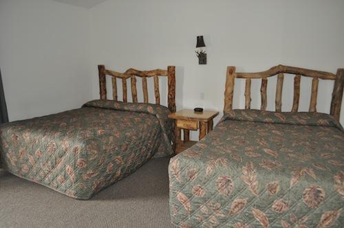 grizzly jacks bedroom 1