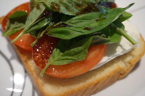 Recipe: Tomato Mozzarella Sandwich on Hawaiian Bread - Mom and More