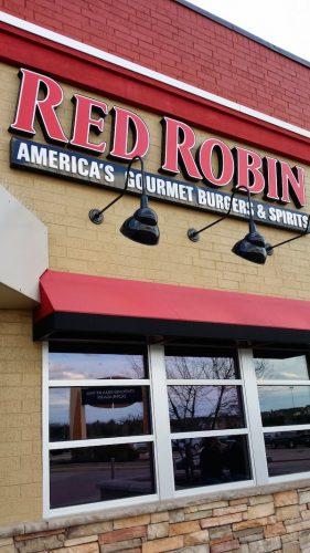 red robin IL