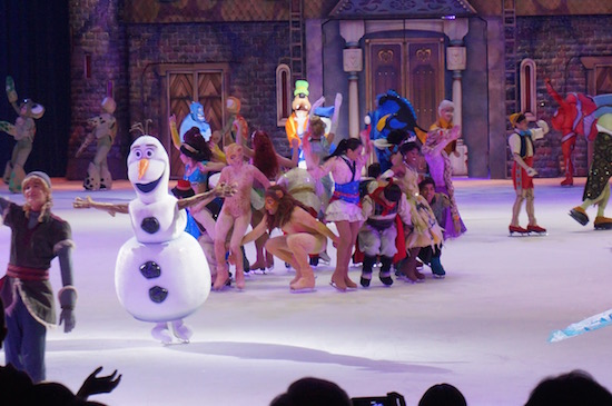 Disney on Ice Presents 100 Years of Magic is Here in Chicago! #ChiDisneyOnIce #DisneyonIce @DisneyonIce