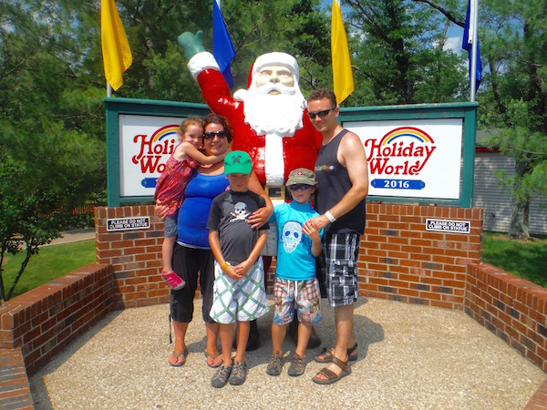 20 Reasons Why My Family Loved Holiday World Theme Park and Splashin' Safari Water Park @HolidayWorld