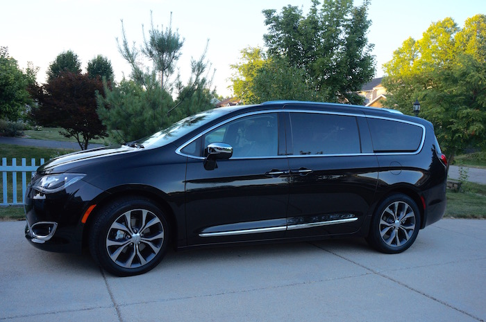 2017 Chrysler Pacifica Review – For Today's Tech Family #Pacifica @Chrysler