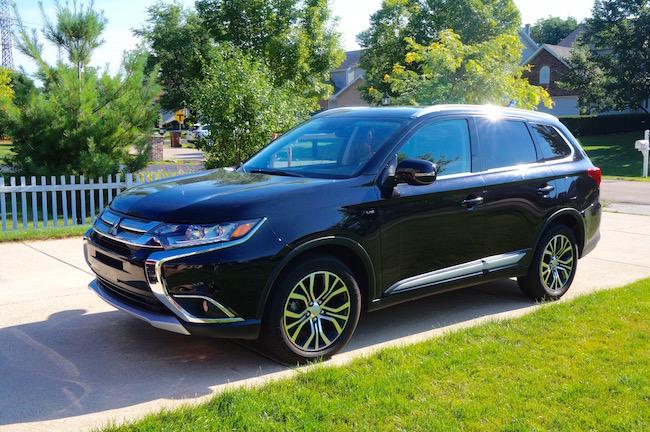 2016 Mitsubishi Outlander SUV Review @DriveShopUSA