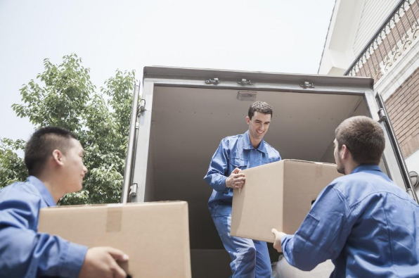 Movers & Shakers: How To Find A Reputable Moving Firm
