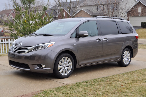 2017 Toyota Sienna Car Review